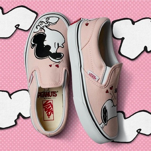FA17_Classics_Peanuts_VN0A38F7OQV_UAClassicSlip-On_Smackpearl_Elevated